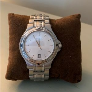 Gucci Watch: AUTHENTIC Silver worn 3 times